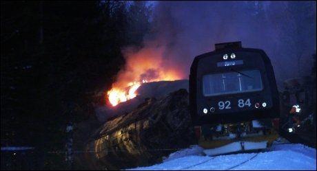 KOLLIDERTE: To tog kolliderte på Åsta stasjon to mil nord for Elverum 4. januar 2000. Foto: SCANPIX