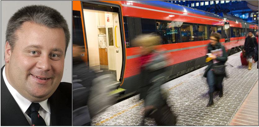 ORDKRIG: Knut Arild Hareide (KrF) og Bård Hoksrud (Frp) (bildet) henholdsvis leder og nestleder for Transportkomiteen på Stortinget, er ikke enige i hva som kan løse togkaoset. Foto: Scanpix