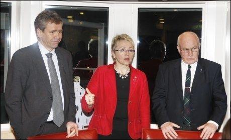 KRISE 2008: Samferdselsminister Liv Signe Navarsete etter ett av flere krisemøter med NSB-sjef Einar Enger og Jernbanedirektør Steinar Kili i februar 2008. Foto: Morten Holm/SCANPIX