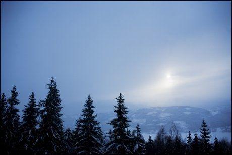 KALD VINTER: 34 grader skiller nord og sør søndag. Foto: Scanpix