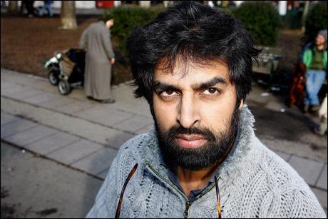 - DRAPSTRUET: Komiker Zahid Ali forteller at han blir utsatt for så mye hets når han ferdes på Grønland i Oslo, at han unngår området. Bildet er fra 2008. Foto: Jan Petter Lynau