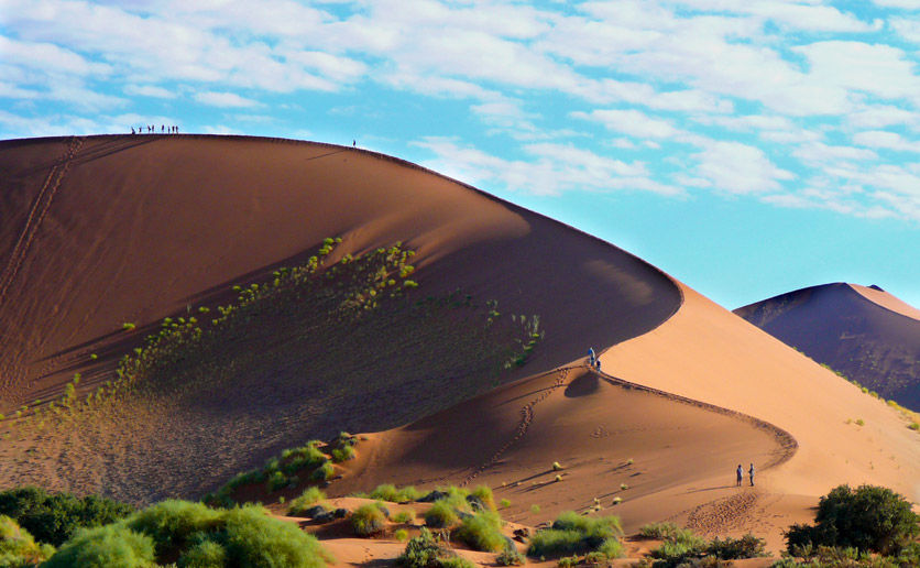 COMING: Reiseekspertene spår at Vest-Afrika med land som Namibia vil ta av de neste 5-10 årene, reisemål med gode bademuligheter, lavbt prisnivå og flotte naturopplevelser - som sanddynene i Namibørkenen. Foto: Birgit Margrethe Falch