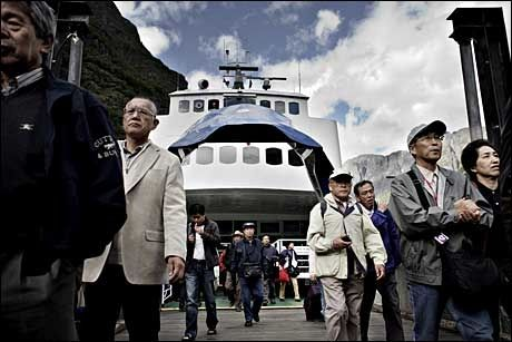 BRA ELLER DÅRLIG? Turister på rundturen «Norway in a nutshell» i 2008.A Foto: Annemor Larsen