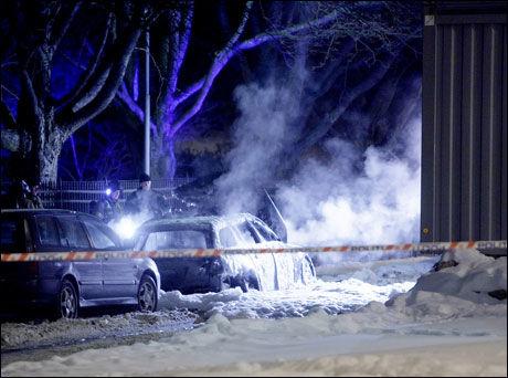 UTBRENT: En bil er funnet utbrent like ved Munchmuseet på Tøyen. Foto: Scanpix Foto: