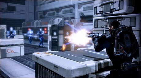PEW-PEW: Kampene i «Mass Effect 2» er preget av taktikk og rene ferdigheter. Foto: BIOWARE/ELECTRONIC ARTS