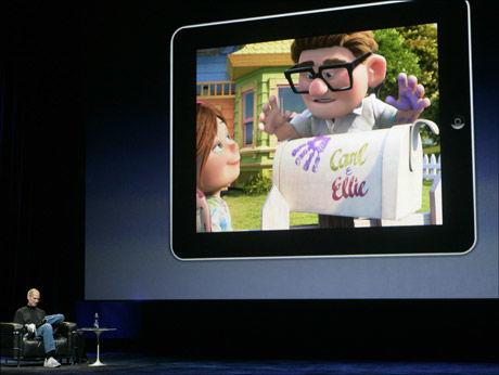 - MULTIVERKTØY: Ifølge Steve Jobs blir iPad et multiverktøy, en krysning mellom smarttelefon og bærbar datamskin. Foto: Reuters
