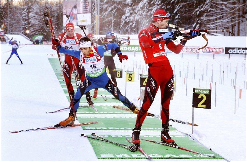 FULL KONSENTRASJON: Ole Einar Bjørndalen savner sine kjære geværer. Her på standplass i Ruhpolding tidligere i år. Foto: Magnar Kirknes/VG