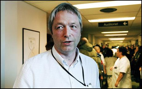 GRANSKES: Avdelingsjef ved kirurgisk avdeling ved Sykehuset Asker og Bærum, Eilert Ottesen. Foto: Magnar Kirknes