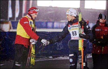 KRITISK: Den svenske langrennsløperen Marcus Hellner (t.h.) er kritisk til den norske OL-troppens bruk av idrettspsykologer. Her er han avbildet sammen med Petter Northug under årets Tour de ski. Foto: Jørgen Braastad/VG