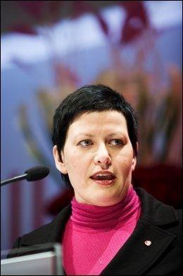TAR GREP: Helga Pedersen (Ap). Foto: Kristian Helgesen