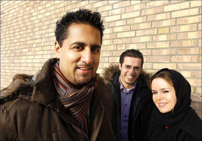 SØKER STØTTE: Abid Raja (f.v) har fått med seg blant andre Zakaria Saalti og Linda Noor i styret for sin nye tenketank. Foto: TROND SOLBERG