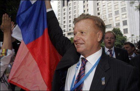 GÅR AV: Leonid Tjagastjov takket for seg etter den svake OL-innsatsen. Foto: AP