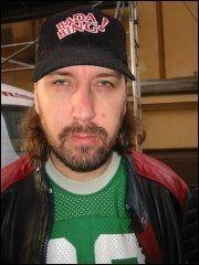 EL DOOM: Ole Petter Andreassen går under navnet El Doom og spiller gitar blant annet i The Cumshots. Foto: Børre Haugstad