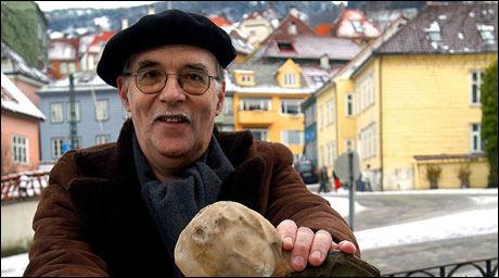 ØNSKER FAGFOLK: Seniorprest Otto Odland tar til orde for utdanning av eksorsister. Bildet, som er et arkivfoto, er fra 2004. Foto: Arne Nilsen