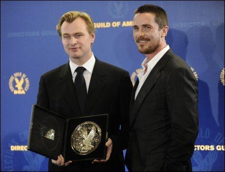GODE VENNER: Christopher Nolan og Christian Bale har samarbeidet i flere av filmene til regissøren, sist i «The Dark Knight». Foto: AP