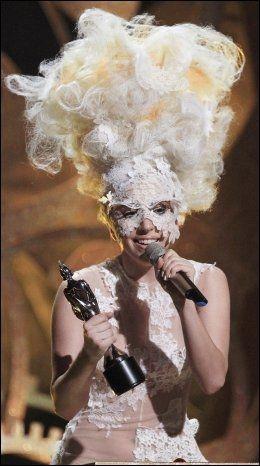 EKSENTRISK: Lady Gaga heter egentlig Stefani Joanne Angelina Germanotta. Foto: REUTERS