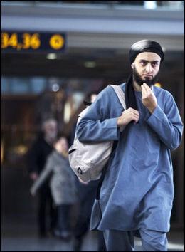 FORLOT NORGE: Mohyeldeen Mohammad forlot Norge etter en uke med massivt press etter talen han holdt på Universitetsplassen i Oslo. Foto: Frode Hansen