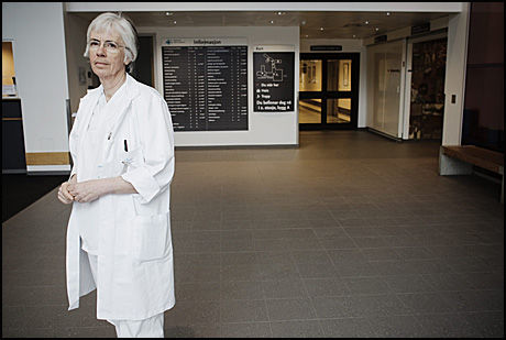 BEKLAGER: Avdelingssjef Marit Kristoffersen ved kvinneklinikken, Sykehuset Asker og Bærum (SAB). Foto: Markus Aarstad