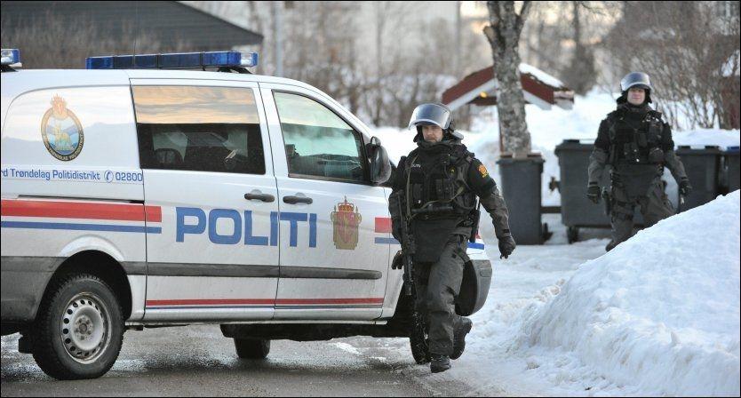 PÅGREPET: 35-åringen ble pågrepet her i Verran kommune ved 18-tiden mandag. Foto: Johan Arnt Nesgård/Trønder-Avisa