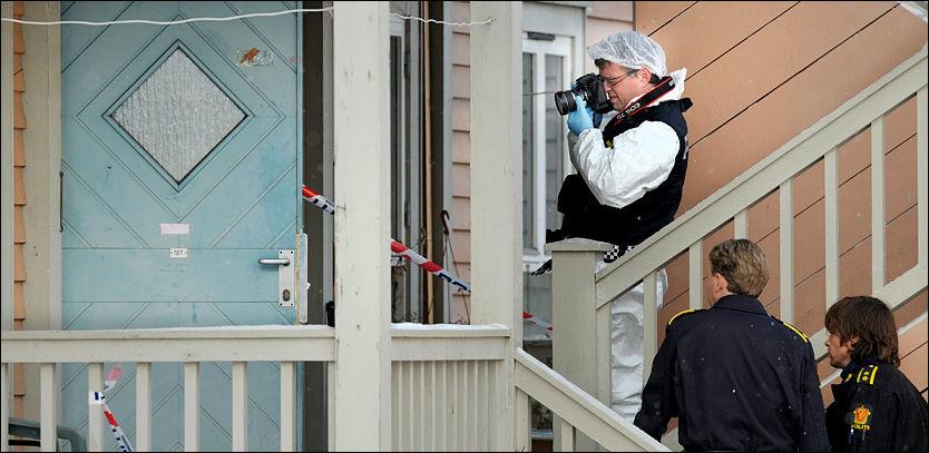 FUNNET DØD: Oldemoren Hamida Didovic (87) ble funnet død i sin egen leilighet i Horten i januar i år. To personer er varetektsfengslet for ran, og mandag gikk politiet ut med etterlysning av en tredje person. Foto: Helge Mikalsen