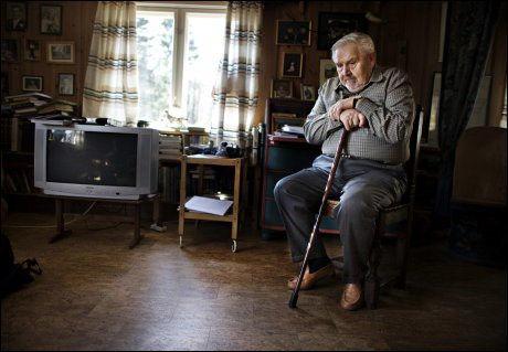 VETERAN: Josef Monsrud var bare 20 år gammel da han deltok på sitt første sabotasjekurs. Han er en av fire gjenlevende motstandsveteraner fra organisasjonen Osvald. Foto: MARTE VIKE ARNESEN