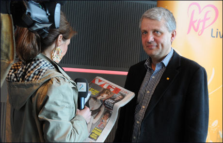 LETTERE OPPGITT: KrF-leder Dagfinn Høybråten understreker at bildene av Inger Lise Hansen ikke har noe med partiet å gjøre. Foto: Amund Bakke Foss