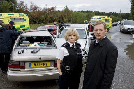 DRAMA MED NERVE: Douglas Henshall har rollen som politietterforsker John Tolin i NRK1s første påskekrim, «Kollisjonen». Foto: Camera Press