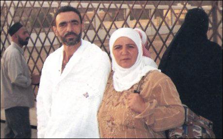 SAMMEN: Ali Hussain Sibat og konen Samira Rahmoon på et bilde fra deres tur til Saudi-Arabia- Foto: AP