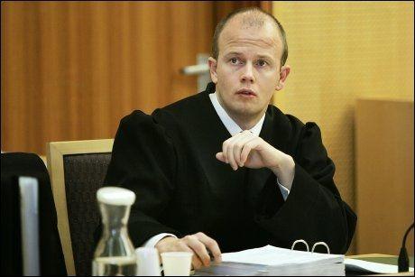 FLAU: Statsadvokat Svein Holden sa unnskyld etter å ha avfyrt pistolen. Bildet er fra 2006. Foto: Scanpix