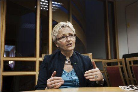 MØTER MOTBØR I AP: Senterparti-leder Liv Signe Navarsete. Foto: Frode Hansen