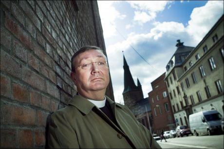 Biskop Bernt Eidsvig i Oslo katolske bispedømme er ikke overrasket over at tidligere biskop Georg Müller i Trondheim befinner seg i Roma. Foto: Scanpix