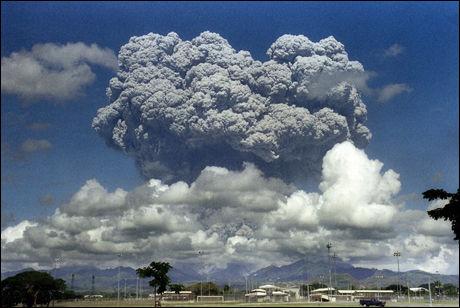 PINATUBO: Dette utbruddet på Filippinene i 1991 sørget for klimanedkjøling over hele jorden. Foto: AFP