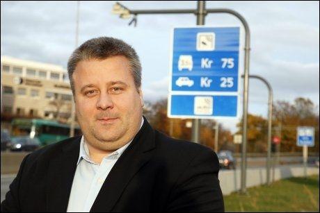 UTFORDRER: Bård Hoksrud mener Terje Søviknes bryter med Frps program i synet på bompenger, og stiller som motkandidat på landsmøtet i helgen. Foto: Knut Erik Knudsen
