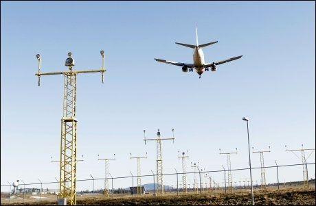 ÅPENT FOR FLYTRAFIKK: Onsdag morgen ble det besluttet å åpne luftrommet over Norge i sin helhet. Foto: AFP
