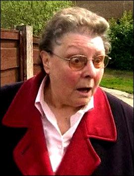 REAKSJON: Slik reagerte Gillian Duffy (66) da hun fikk høre hva Gordon Brown hadde sagt om henne. Foto: UK Pool/Reuters