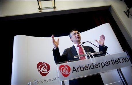 GODT NYTT: Statsminister Jens Stoltenberg justerer ned anslaget over arbeidsledigheten i Norge. Foto: Kyrre Lien / Scanpix