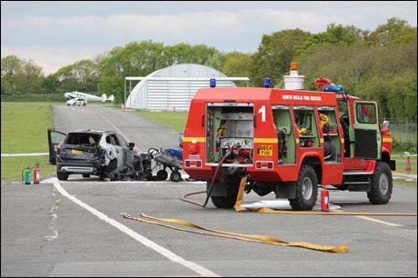 BRANNMANNSKAPER: Tilfeldighetene gjorde at en brannbil raskt kom til ulykkesstedet. Foto: Essex County Fire and Rescue Service