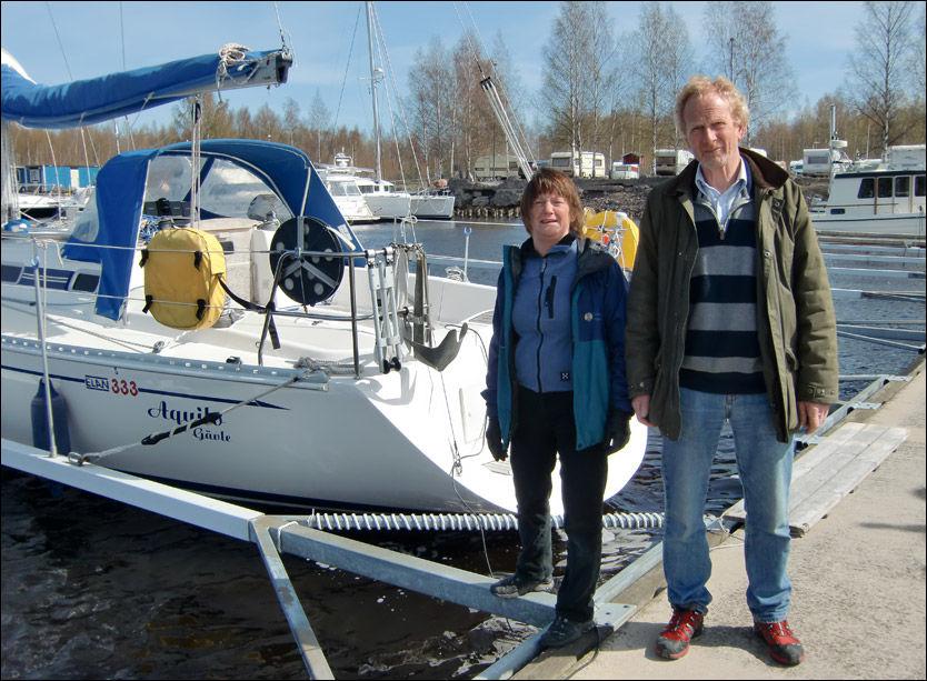 DYR BÅTPLASS: Cecilia og Kjell Olsson lot seilbåten «Aquilo» stå i Norge over vinteren. Resultatet var en toll-smell på over 200.000 kroner. Foto: JOEL OLSSON