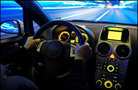 SKREMMENDE: Hackere kan ta kontroll over bilen din. (Foto: Istock)