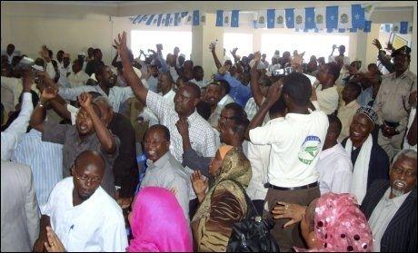 URO: Flere ble drept etter et angrep mot parlamentet i Somalia søndag. Foto: Reuters