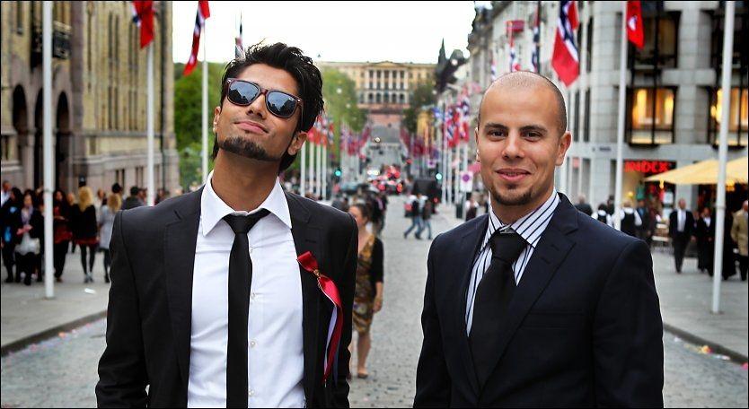 KONGER PÅ 17. MAI: Karpe Diem - Chirag Rashmikant Patel (t.v.) og Magdi Omar Ytreeid Abdelmaguid - feirer 17. mai på toppen av VGs albumliste Foto: Nils Bjåland