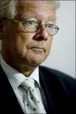 ENIG: Carl I . Hagen er enig med Thorvald Stoltenberg. Foto: Scanpix Foto: