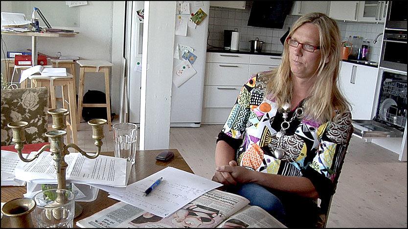 ANKLAGER EKS-SVIGERFAR: Lise Lindalen mener tidligere Frp-formann Carl I. Hagen gjennom sin kronikk i Aftenposten har identifisert barna hennes. Foto: Bjørnar Tommelstad