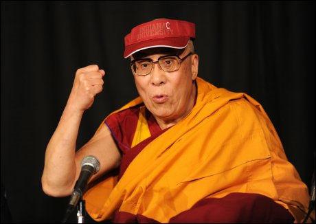 MARXIST: Dalai Lama (74) mener Kina har gjort rett i å åpne for mer markedsøkonomi, men understreker at han fortsatt er tilhenger av marxisme. Foto: AFP