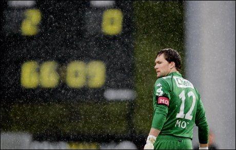 TUNGE TIDER: Håkon Opdal måtte tåle 2-0-tap i bunnkampen på Hønefoss. Foto: Scanpix