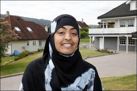 BEVISST VALG: Aisah Kausar gikk fra norske klær til hijab da hun var 16. Foto: Knut Erik Knudsen