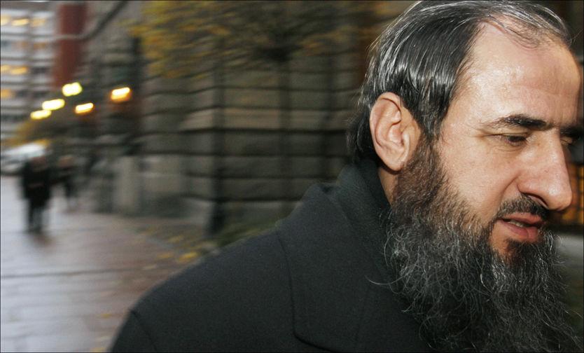 KARAKTERISTISK UTSEENDE: Mullah Krekar nektet å klippe skjegget, til tross for at dette trolig hadde gjort det lettere å flytte til hemmelig adresse. Bildet er fra 2007. Foto: Scanpix