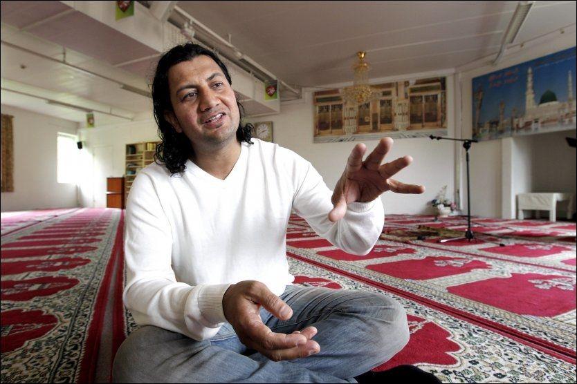 MOT EKSTREMISME: Minhaj-ul-Quaran kritiseres for å være vestlig, forklarer nestleder i styret, Mehtab Afsar. Foto: Trond Solberg