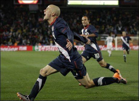 TRENERSØNNEN: Michael Bradley, sønnen til landslagstrener Bob, scoret 2-2-målet for USA. Foto: AP