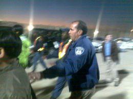 JAGET BORT PRESSEN: Journalistene ble bryskt jaget bort av denne mannen og kollegaene hans i dag. Foto: Jamel Rake, VG Nett